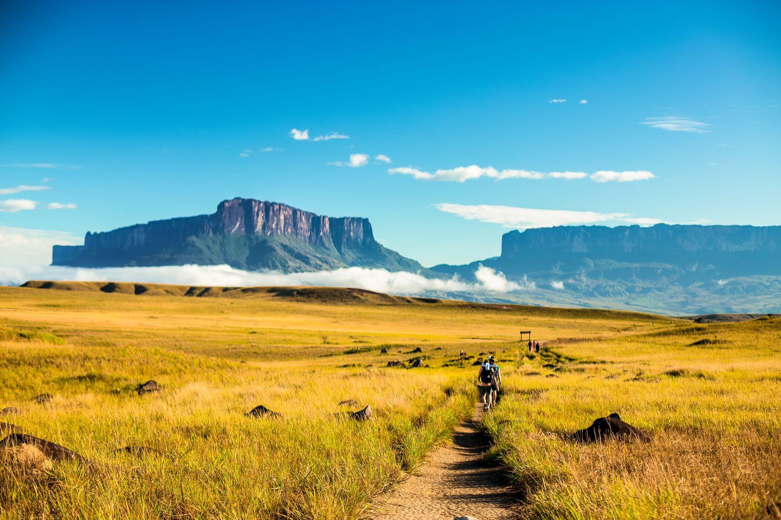 CAB lança edital com vagas remanescentes de curso técnico em Guia de Turismo
